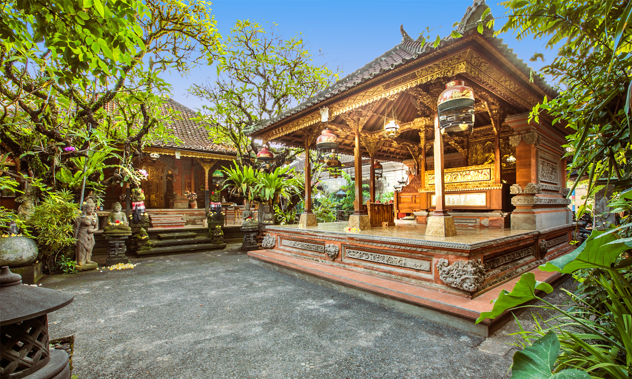 gusde-house-villa-ubud-slider2 Brahman House Balinese Astrology and Purification