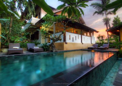 Deluxe-pool-view-22-400x284 Balinese-style house and villas