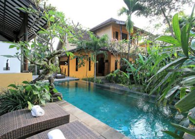 Deluxe-pool-view-9-400x284 Balinese-style house and villas